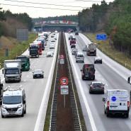 Auf vielen Autobahnen und Autobahnabschnitten gibt es schon heute ein Tempolimit.