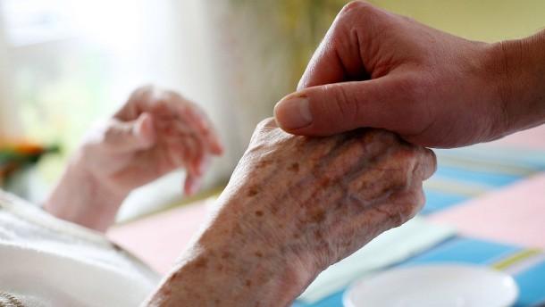 Berlin will Zeitarbeit in der Pflege verbieten