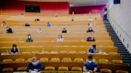 Frag den Mohr: Was kostet ein Studium?