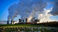 Das RWE-Kohlekraftwerk in Bergheim-Niederaußem