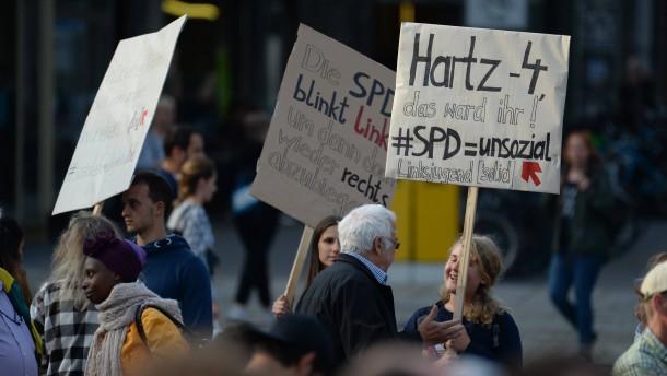Grüne und SPD wollen Sozialhilfe ohne Bedingungen