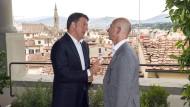 Italiens Ministerpräsident Matteo Renzi (l.) und Amazon-Chef Jeff Bezos im Juli während eines Treffens in Florenz.