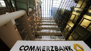 Commerzbank schreibt  Eurohypo weiter ab