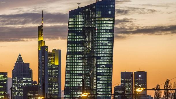 EZB sucht Ängste vor Bankenkrise zu zerstreuen