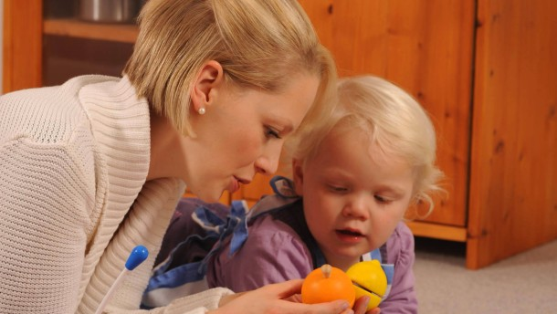 Themendienst Familie & Leben: Die Zauberkraft der Eltern-Kind-Beziehung