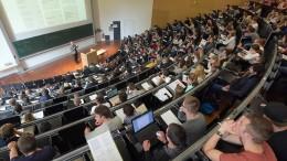 Zahl der Studenten ohne Abitur wächst weiter