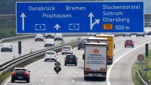 Lastwagen müssen bald noch mehr Maut zahlen