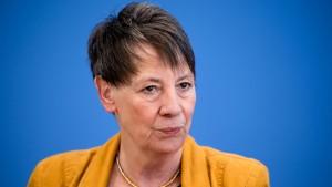 Umweltministerin: Deutsche sollen weniger heizen