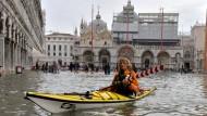Hochwasser in Venedig: Auch Italiens Wirtschaft kommt nicht aus der Patsche.