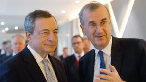 """EZB-Chef rechnet mit """"bedeutenden Schritten"""" zur Bankenunion"""