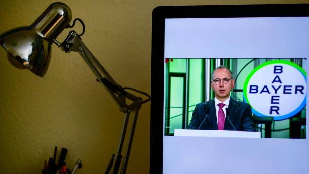 Die Bayer-Führung gewinnt die Aktionäre zurück