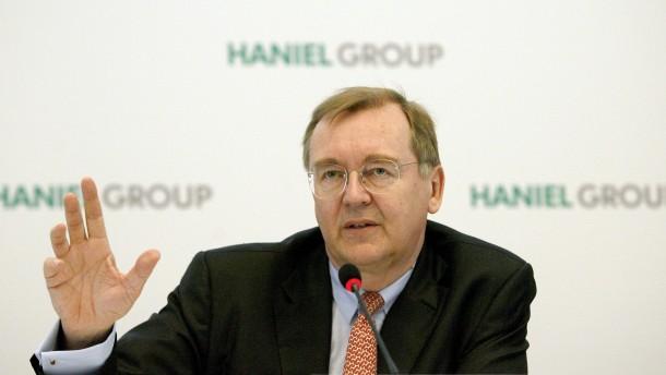 Haniel steigert Gewinn kräftig