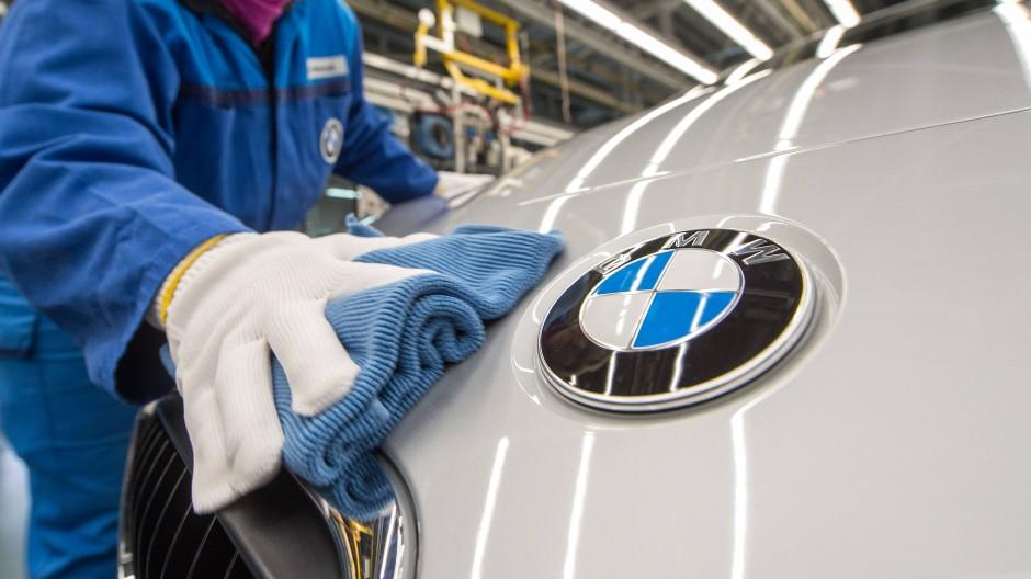 Im BMW-Werk in Regensburg