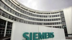 Siemens legt die Karten früher auf den Tisch