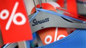 Strauss startet den Räumungsverkauf