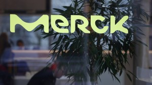 Merck schließt betriebsbedingte Kündigungen bis 2025 aus