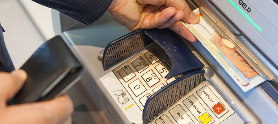 Commerzbank Karte.Commerzbank Kunden Klagen über Probleme Mit Ec Karte