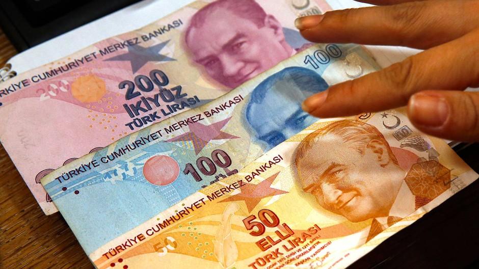 Immer weniger wert: die türkische Lira