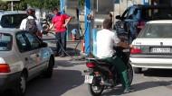 Steigende Ölpreise bremsen die Nachfrage an griechischen Tankstellen laut IEA-Report nicht.
