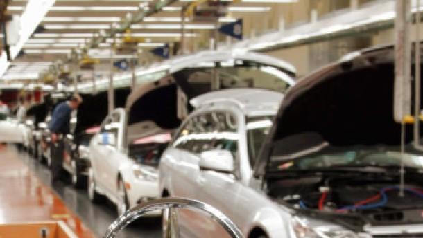 Daimler gibt erneut Gewinnwarnung aus