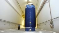 Ein Castor-Behälter im Zwischenlager des Atomkraftwerks Neckarwestheim