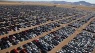 Diesel-Friedhof: In Kalifornien stehen Fahrzeuge, die Volkswagen nach dem Abgasskandal in Amerika zurückgekauft hat.