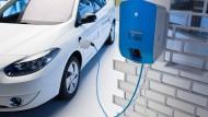 Elektroautos: Schon beim Hausbau soll künftig die Lademöglichkeit mitgedacht werden.