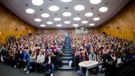 Wie viele Studenten gibt's in Zukunft? Davon hängt für die Hochschulstandorte viel ab.