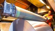 Sparsamer Verbrauch: In der Aluminiumfabrik von Norsk Hydro wurde die Produktion nach Vorgaben der Belegschaft auf mehr Effizienz getrimmt.