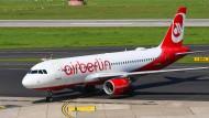 Air Berlin ist insolvent und fliegt trotzdem weiter.