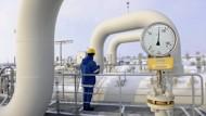 Durch Schubumkehr in einigen Röhren kann die Ukraine mit Gas aus Mitteleuropa beliefert werden, obwohl die Leitungen ursprünglich Gas in die andere Richtung liefern sollten.