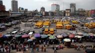 Nigerias Bevölkerung wächst unheimlich. Und die Regierung meint, auf diesem Weg weltpolitische Bedeutung zu erlangen.
