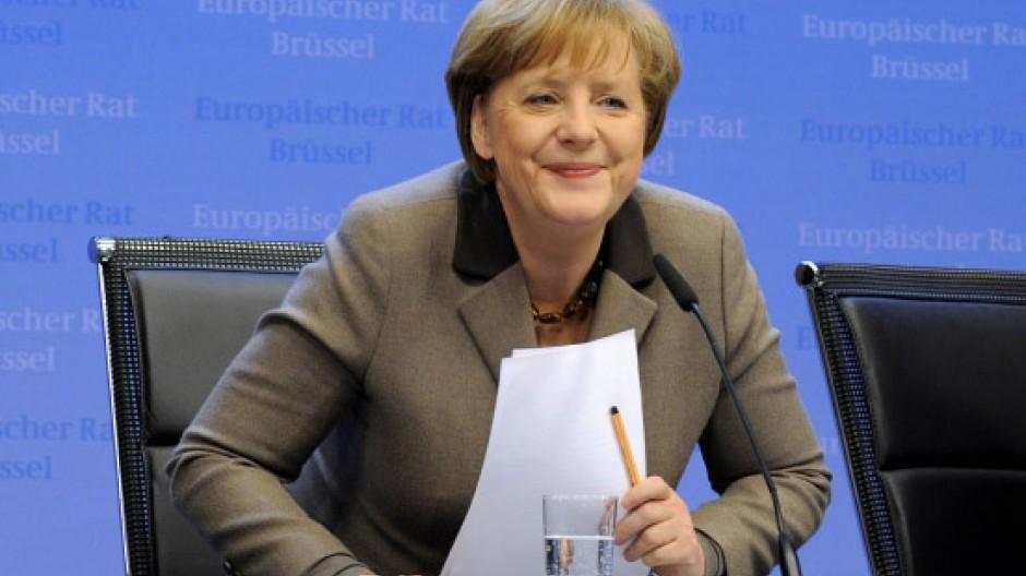 Schnelle Zustimmung abseits der Aufmerksamkeit: Angela Merkel auf dem EU-Gipfel in Brüssel