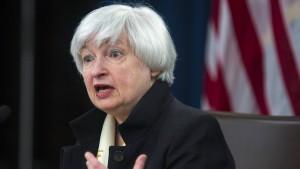 Schäuble sorgt sich um Unabhängigkeit der Fed