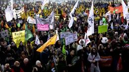 Tausende demonstrieren für mehr Klimaschutz