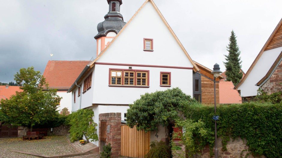 Geheilte Mitte: Der einstige Frühmesshof im Herzen von Kreuzwertheim ist eines der ältesten Wohnhäuser der Gemeinde und heute Zuhause einer fünfköpfigen Familie.