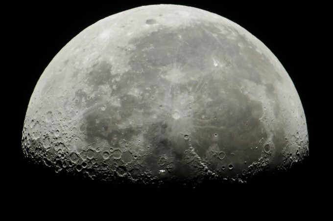 Bald auch ein fahrplanmäßiges Ziel? Der Mond.