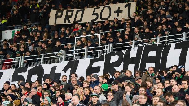 Kippt das Übernahme-Verbot für Fußballvereine?