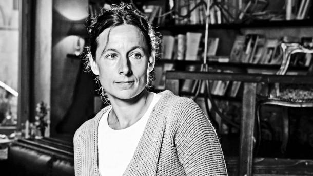"""Juli Zeh - die Berliner Autorin und Juristin spricht  mit Caroline Freisfeld für die Serie  """"Mein Weg"""" in Beruf und Chance."""