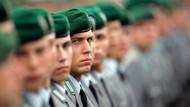 """""""Unter Berücksichtigung des Gleichheitsgebots und der Steuergerechtigkeit ist eine Steuerfreiheit beim Freiwilligen Wehrdienst nicht gerechtfertigt"""", sagt das Bundesfinanzministerium."""
