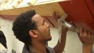 Flüchtling aus Eritrea will Dachdecker werden