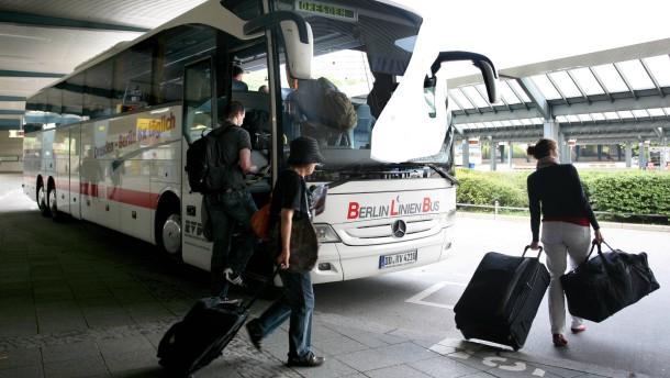 Linienbusse dürfen künftig auch im Fernverkehr fahren