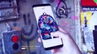 Erst stoppen, dann kaufen: die Smartphone-Anwendung im Einsatz