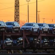 Auf dem Weg zum Kunden: Güterzug mit Volkswagen-Neufahrzeugen