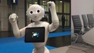 Roboter Pepper schwingt das Tanzbein