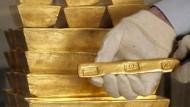 Gold scheint ein sicherer Hafen zu sein. (Goldbarren in London, auf einem Archivbild von 2006)