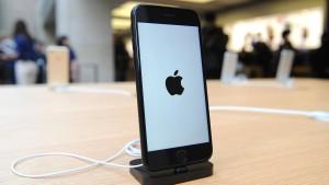 Nokia legt sich mit Apple an