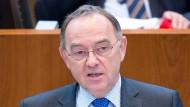 Nordrhein-Westfalens Finanzminister Walter-Borjans ist öffentlich einer der aktivsten Kritiker von Steuerhinterziehung und -vermeidung.