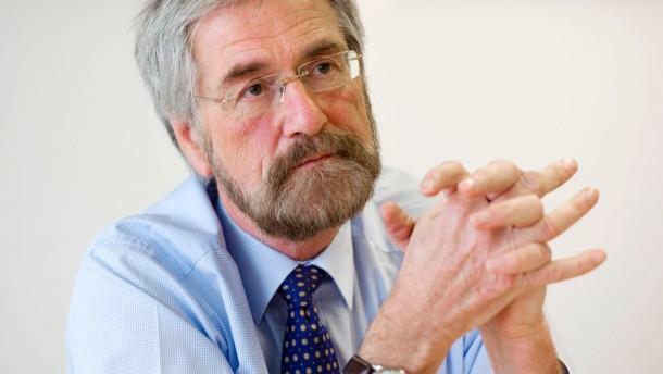Peter Praet - Der Chefvolkswirt der Europäischen Zentralbank (EZB) stellt sich in Frankfurt den Fragen von Stefan Ruhkamp.