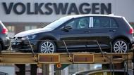 Volkswagen verliert, BMW und Daimler gewinnen